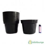 Pot Plastik Hitam Ø 17 cm – 12 Pcs