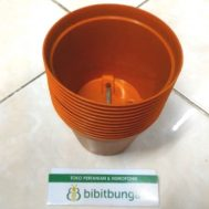 Pot Bunga Vanda 850 Merah Bata – 12 Pcs